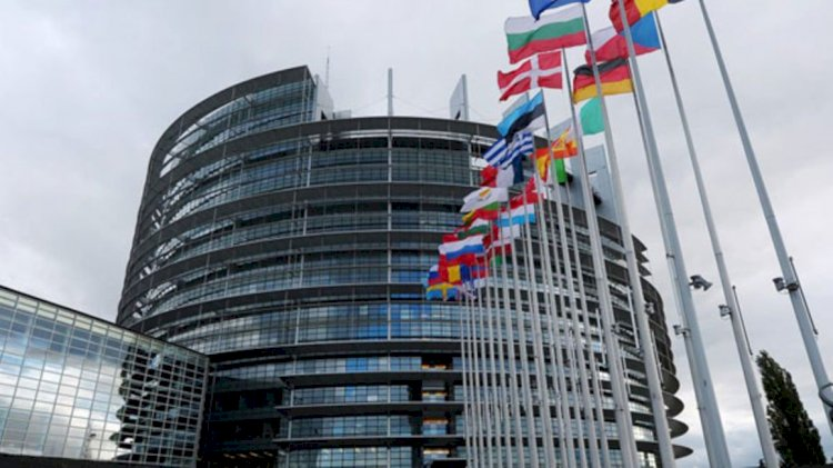 EU to work with private sector instead of Government